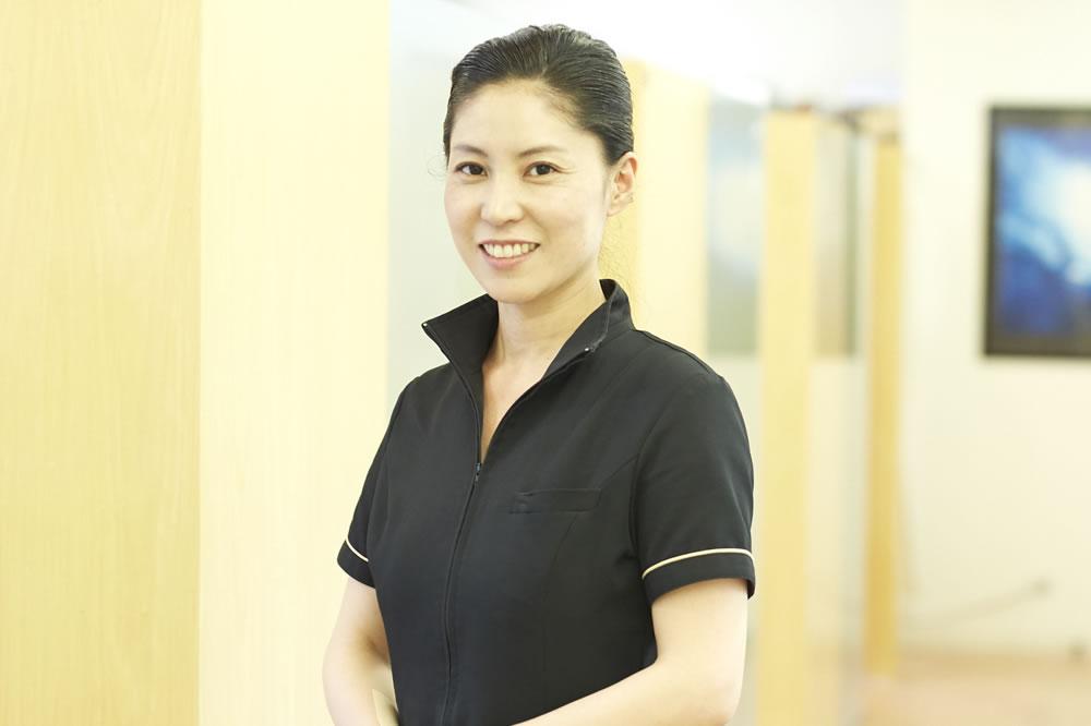 歯科助手 / 枝川有紀子